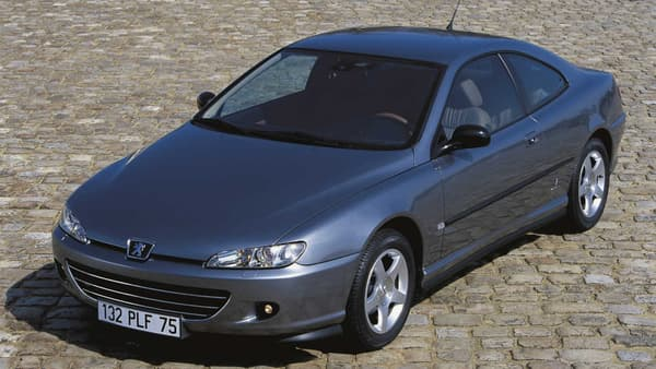 Peugeot a vendu plus de 100.000 406 Coupé.