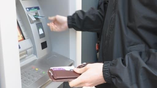 Les fraudes à la carte bancaire représentent environ 0,04% des transactions.