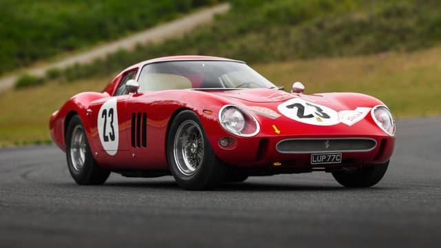 Une Ferrari 250 GTO. Ce modèle produit à 36 exemplaires est au coeur de la bataille judiciaire qui oppose les héritiers Bardinon.