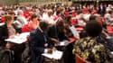 Les négociations reprennent samedi, à Durban où les pays en développement les plus menacés par le réchauffement climatique se sont élevés vendredi contre le projet d'accord soumis à la conférence, forçant l'Afrique du Sud, pays hôte, à mettre au point une