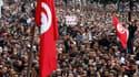 Manifestation le 14 janvier à Tunis, jour de la fuite du président Zine ben Ali. En à peine un mois, une explosion de rage et de révolte contre l'injustice et l'arbitraire, après le suicide d'un jeune chômeur désespéré, emportera Zine ben Ali. Dans le sil