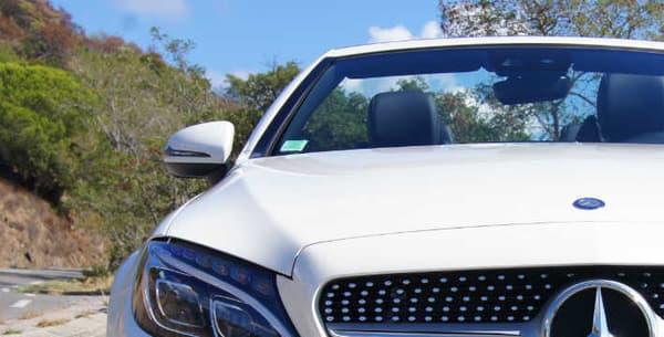 Le cabriolet partage les moteurs du coupé, les technologies d'aides à la conduite sont communes au GLC Coupé (autre nouveauté de l'automne chez Mercedes).