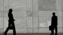 Nicolas Sarkozy réfléchit à l'éventualité de porter l'âge légal de la retraite à 61 ans en 2015, 62 ans en 2020 et 63 ans en 2030 pour redresser les comptes des retraites, selon lemonde.fr. /Photo d'archives/REUTERS/Luke MacGregor