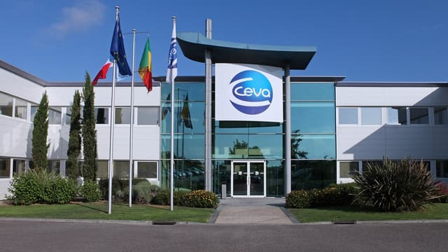 Non coté en Bourse, Ceva a affiché en 2016 un chiffre d'affaires de 912 millions d'euros, en croissance de 10% à périmètre et taux de change constants.
