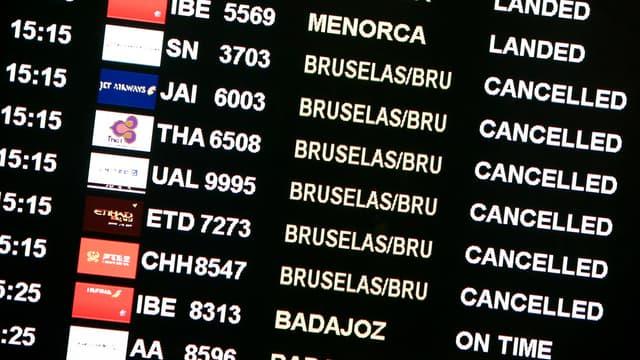 L'aéroport de Bruxelles, le premier du pays, a fermé jusqu'à nouvel ordre après que plusieurs explosions y ont retenti ce mardi.