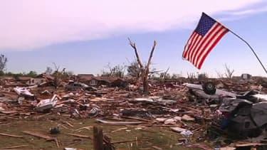 La tornade a laissé la ville de Moore en ruines.