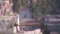 Un véhicule militaire syrien dans une rue de Homs. Le président Bachar al Assad aurait proposé à l'émissaire international Kofi Annan une sortie progressive du conflit dans son pays, en commençant par mettre un terme aux violences dans les zones les plus