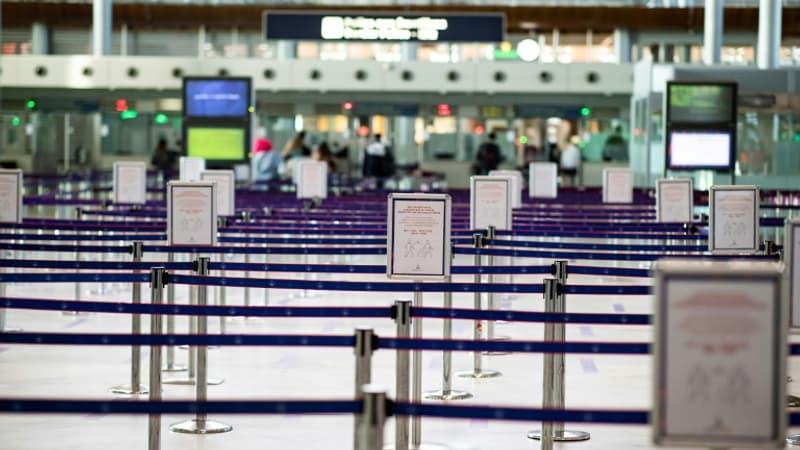 """Le patron des aéroports parisiens s'inquiète d'une """"apocalypse de temps d'attente"""" cet été"""