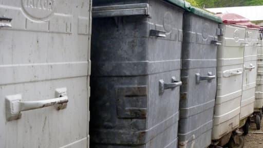 Une fois triés, les déchets ménagers peuvent servir à produire de l'électricité et du compost.