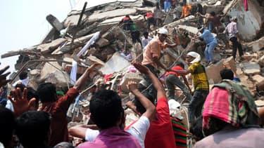 L'effondrement d'un immeuble à Dacca au Bangladesh a fait plus de 900 morts.