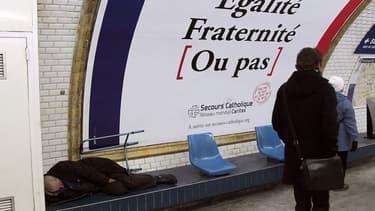 Beaucoup d'hommes seuls accueillis par le Secours catholique ont des difficultés de logement. (Photo d'illustration)
