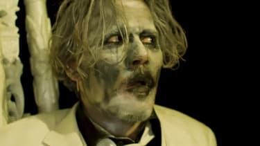 """Johnny Depp dans le clip """"Say10"""" de Marilyn Manson"""