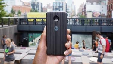 Grâce à Alexa, le service d'Amazon, le Moto Z de Motorola va trouver sa voix
