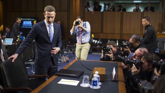 Mark Zuckerberg s'installe au congrès