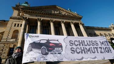 La commissaire européenne aux Transports plaide pour la mise en place de péages urbains pour les véhicules diesel en ville.