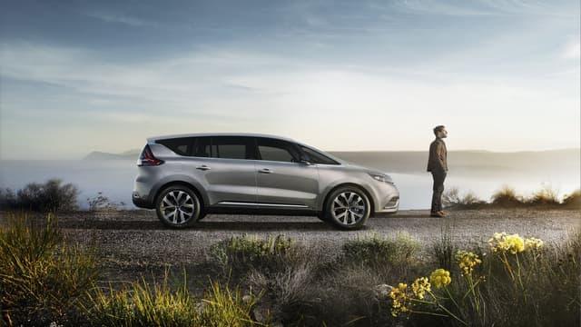Renault ne présente pas son nouvel Espace comme un monospace mais comme un crossover, un terme bien plus vendeur.