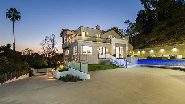 Rihanna s'offre une nouvelle maison.