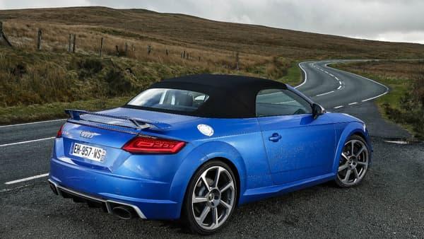 Une Audi TT RS roadster, une belle route de campagne galloise... vous pensez à ce que je pense? Ok, c'est parti!
