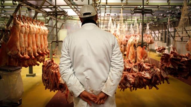 Les bouchers français demandent à Manuel Valls de ne plus utiliser le nom de leur profession pour qualifier le président syrien.
