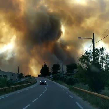 Violent incendie à Sausset-les-Pins, dans les Bouches-du-Rhône - Témoins BFMTV