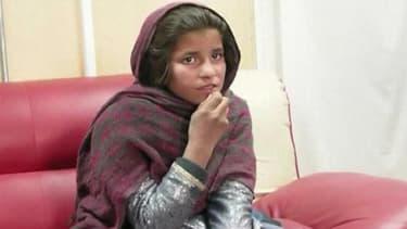 Si elle dit vrai, cette fillette afghane de 10 ans aurait été forcée par son frère à commettre une tentative d'attentat contre la police.