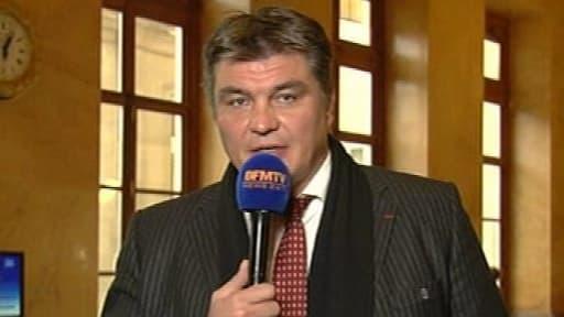 """David Douillet """"en appelle à Nicolas Sarkozy pour sauver l'UMP""""."""