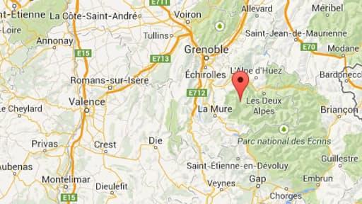 La boue a atteint jusqu'à deux mètres de hauteur, dévastant le hameau de La Chalp, à Chantelouve, dans l'Isère samedi.