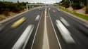 Le secrétaire d'Etat aux Transports, Dominique Bussereau, a déclaré lundi que le gouvernement allait faire repasser à trois ans le délai nécessaire aux automobilistes pour récupérer l'intégralité des points retirés pour infraction sur leur permis de condu