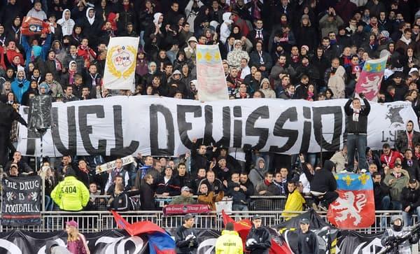 """Une banderole """"Puel démission"""""""