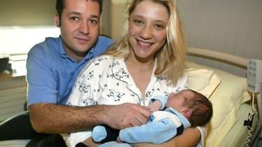 Pierre, le papa du petit Evan, était le premier père Français à prendre son congé de paternité le 1er janvier 2002.