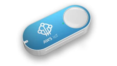 L'AWS IoT Button est un petit boîtier muni d'un simple bouton.
