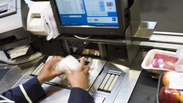 Carrefour promet de ne pas faire attendre ses clients plus de 10 minutes en caisse. C'est raté, et ça lui coute 10 000 euros.