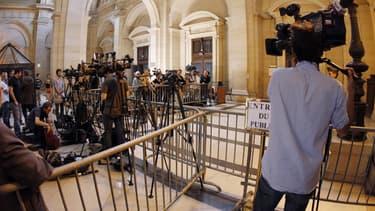 Plus de 60 journalistes sont accrédités pour ce procès.
