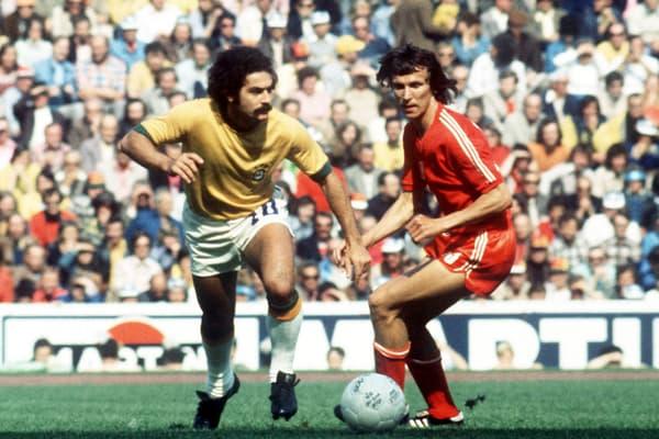 Rivelino (à gauche) avec le Brésil lors de la Coupe du monde 1974