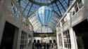 A la veille de l'ouverture de la 26e Biennale des antiquaires, au Grand Palais à Paris. Le président du syndicat français des antiquaires se déclare prêt à délocaliser à l'étranger cet événement, l'un des plus importants au monde, si les mesures fiscales