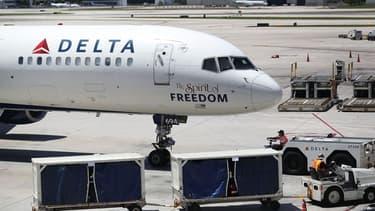 Un youtubeur américain accuse la compagnie aérienne Delta de l'avoir débarqué d'un avion pour avoir parlé arabe au téléphone avec sa mère.
