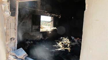 Une habitation dans la localité de Mazraat al Qoubir. Les observateurs de l'Onu qui se sont rendus vendredi dans le hameau, présenté par l'opposition syrienne comme le théâtre d'un nouveau massacre, se sont dits incapables de confirmer l'information tout