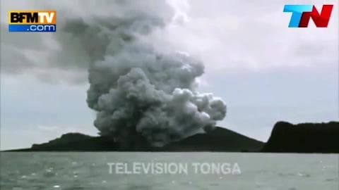 Émergence d'une nouvelle ile dans le Pacifique après une éruption