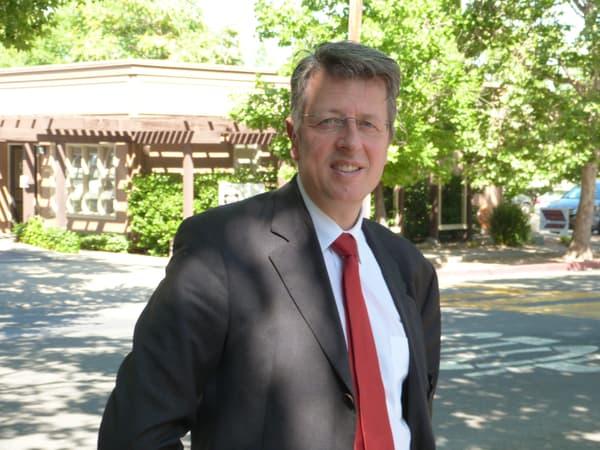 Thierry Karpiel, patron de Win Games, grand artisan du renouveau du Rubik's Cube en France.