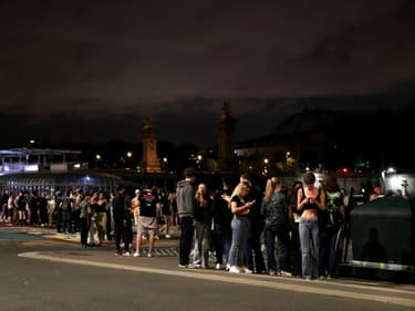 Les quais de Seine, haut lieu de la fête parisienne, dans la nuit du 11 au 12 juin 2021 largement après le couvre-feu