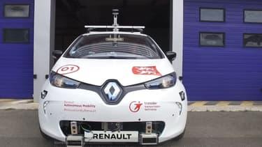 Les utilisateurs pourront appeler à la demande un véhicule en temps réel, des Renault Zoe électriques, sans chauffeur.