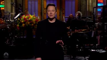 Elon Musk dans SNL le 8 mai 2021.