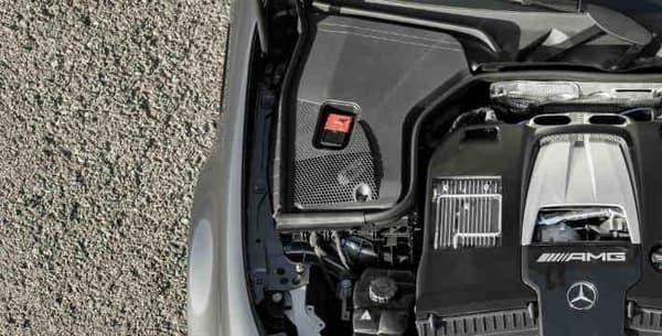 Sous le capot, la nouvelle E63 AMG dispose désormais du V8 4 litres déjà vu sur l'AMG GT R.