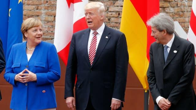 La chancelière allemande Angela Merkel, le président des Etats-Unis Donald Trump et le président du Conseil italien Paolo Gentiloni, le 26 mai 2017 à Taormina en Sicile.