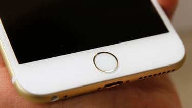 Le capteur d'empreintes digitales de l'iPhone.