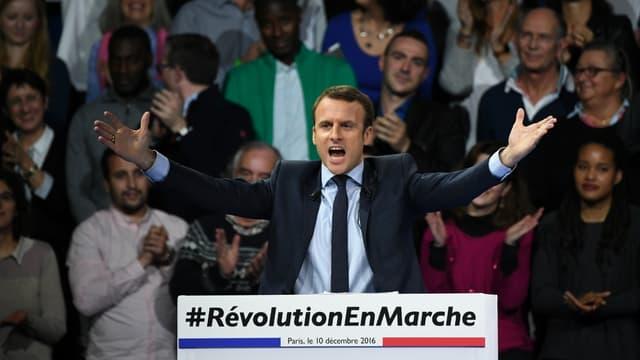 Emmanuel Macron lors de son discours à la Porte de Versailles.