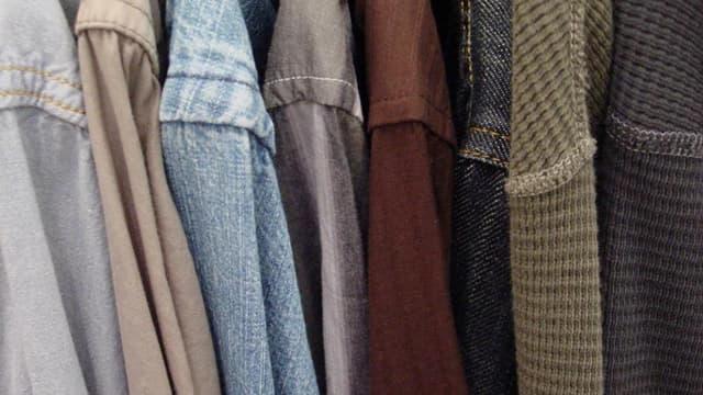 En bon état, parfois même jamais portés, les vêtements conservés dans nos placards représenteraient une valeur marchande de 1,7 milliard d'euros.