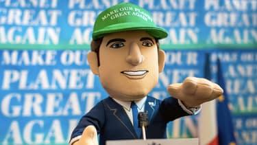 Le fabricant de peluche Poupluche vend deux modèles à l'effigie d'Emmanuel Macron.