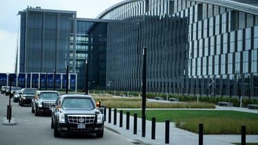 Le convoi du président américain quitte le quartier-général de l'OTAN le 11 juillet 2018