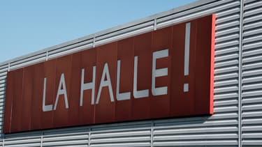 Les magasins La Halle, ex-marque phare du géant français de l'habillement et de la chaussure Vivarte, est à la peine.